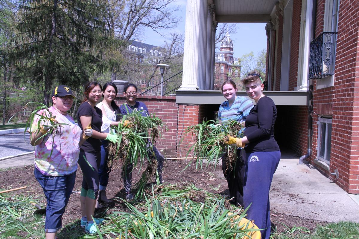 Tribeta students who pulled weeds out for pollinator garden