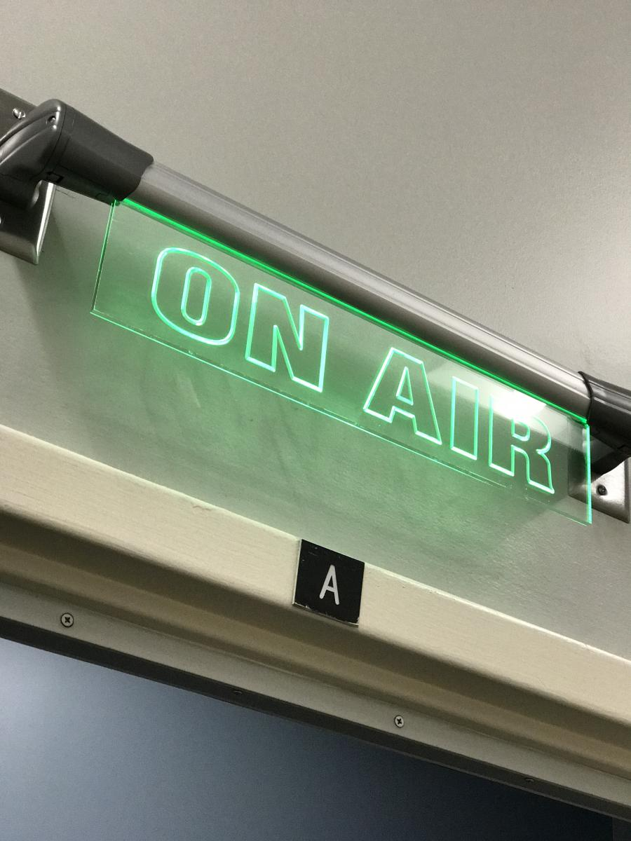 radio on air sign