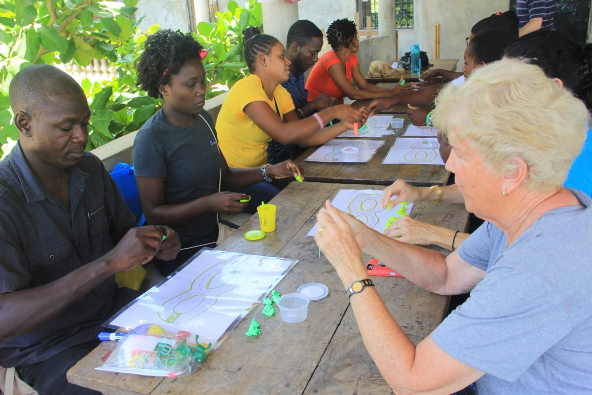 Sr Sharon works with teachers in Haiti